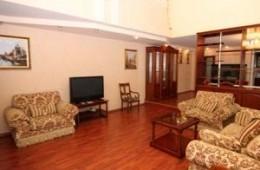 3-bedroom Odessa apartment #4-012