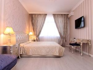 1-room Odessa apartment #A-000